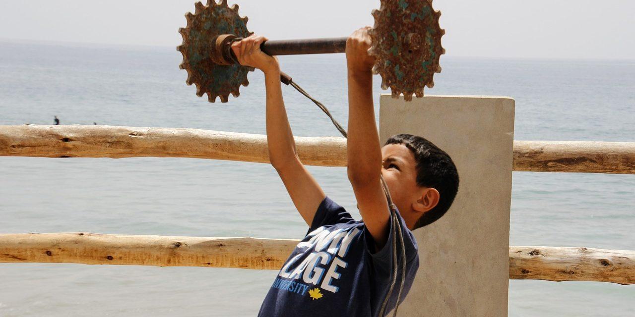 À quel âge peut-on commencer la musculation sans risques