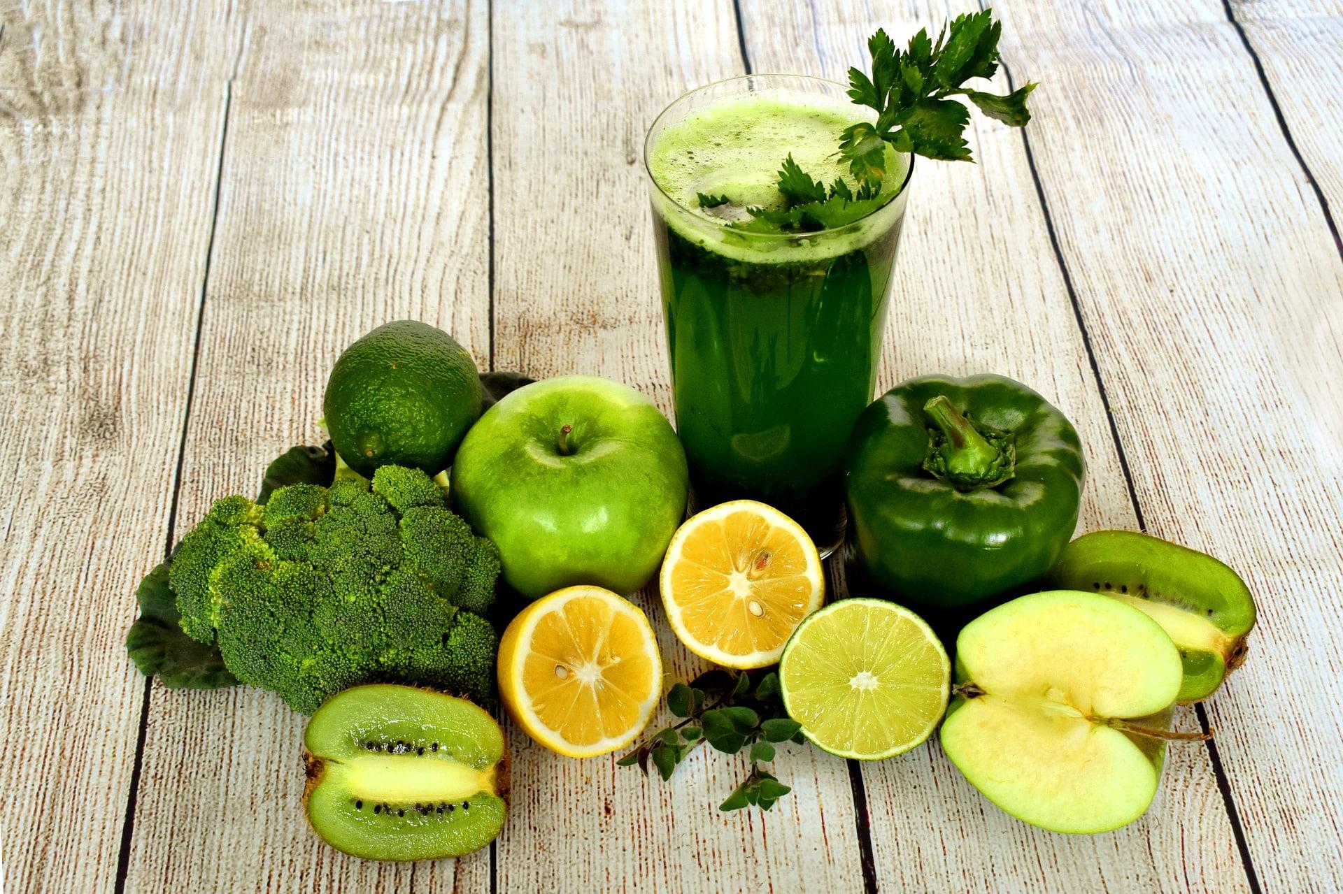 Uen boisson detoxifiante à base de fruits et légumes