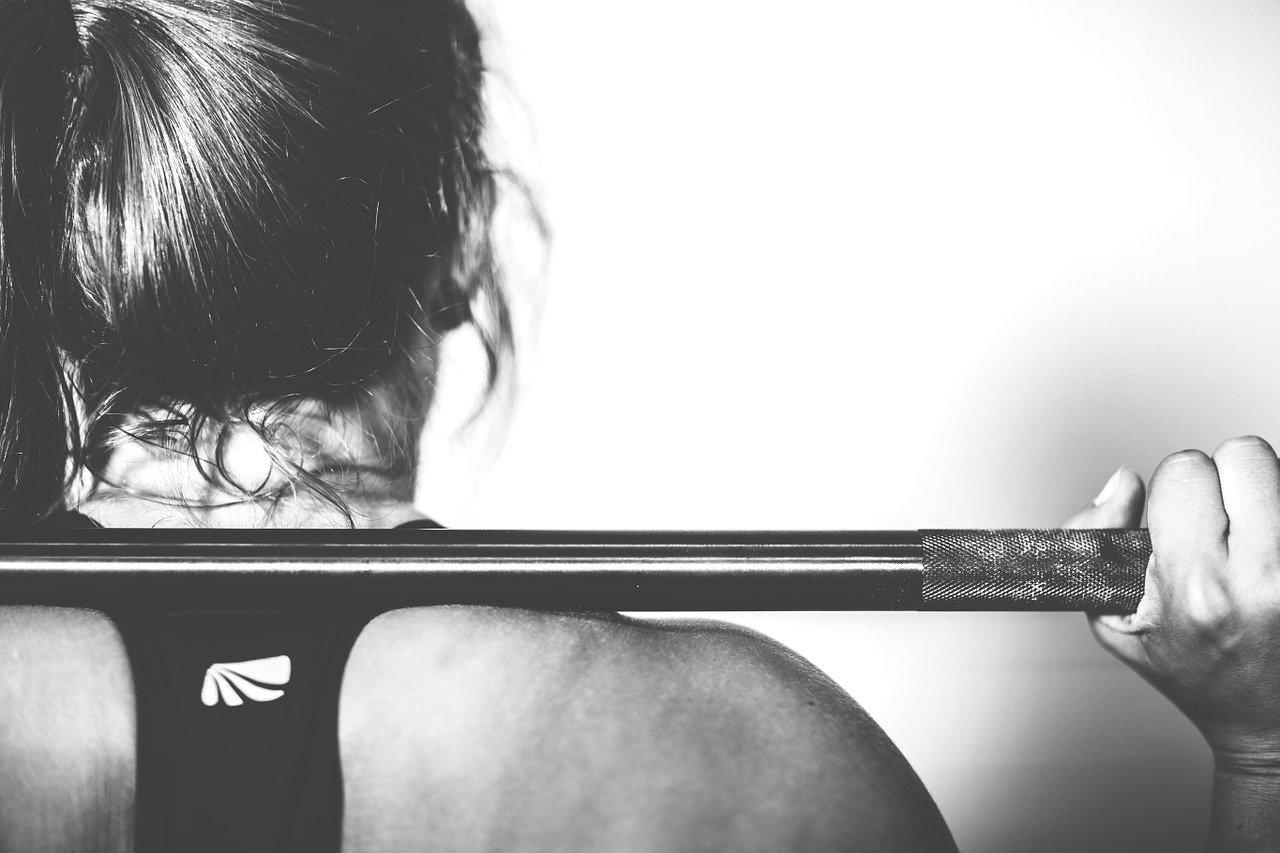 Une femme qui pratique une activité physique régulière